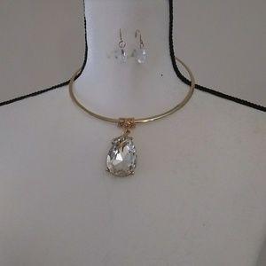 Gold plated teardrop rhinestone pendant necklace